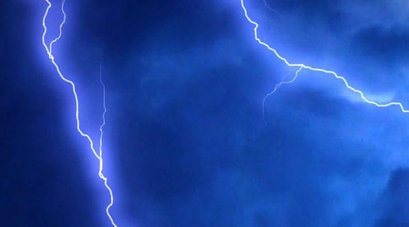 Isten nagyságáról áradozott, amikor belecsapott a villám